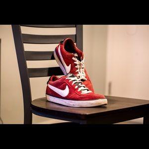 Nike 6.0 Mavrk skate shoes